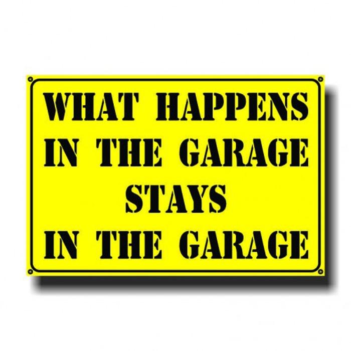 Placa - What happens in garage